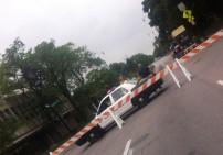 Da coppers blocking it off